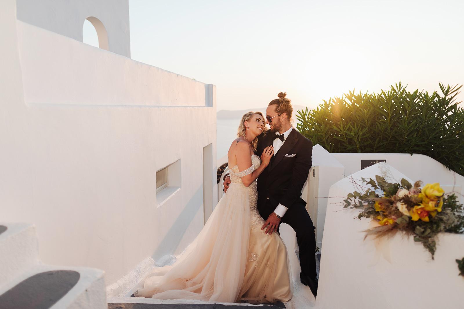 Wedding in Santorini: Santorini wedding photographer Irina Spiru